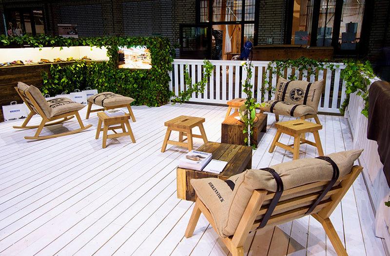 Birkenstock Lounge Messebau Tischlerei holzart Berlin