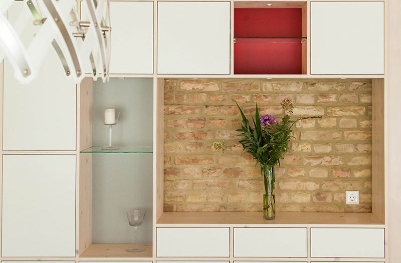 Regalwand Massivholz Innenausbau Design Tischlerei holzart Berlin