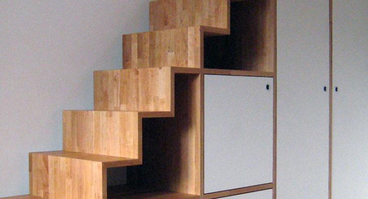Treppenregal Einbauregal Innenausbau Tischlerei holzart Berlin